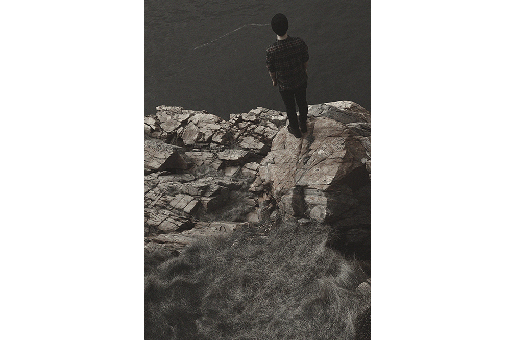 Close to the Cliff_03