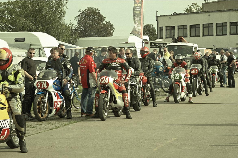 Classic_Motorcycle_Racing_001_web