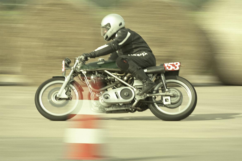 Classic_Motorcycle_Racing_016_web